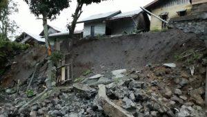 Tanah Longsor terjadi disejumlah Kabupaten di Aceh, Selasa (2/10/2018).  (Foto: Zuhri Noviandi/kumparan)